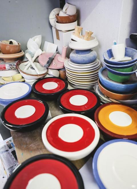 Materia Ceramica Un Progetto Per Raccontarla : Ceramica d artista nel cuore della vecchia milano quando