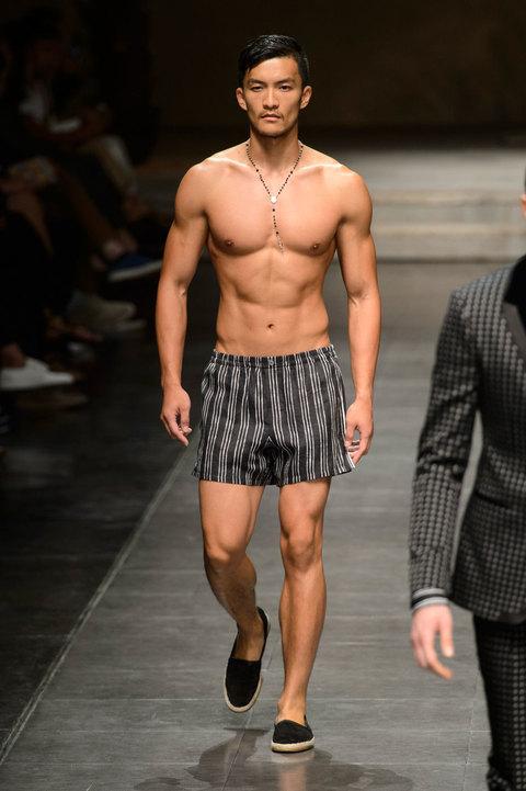 Costumi da bagno uomo boxer da mare slip a calzoncini da surf o swim trunks a ciascuno il suo - Come cucire costume da bagno ...