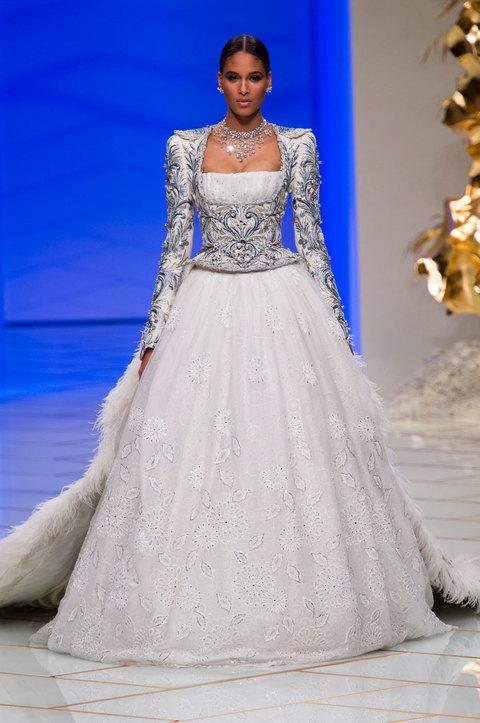 Estremamente I 10 abiti da sposa sulla passerella dell'haute couture YH13