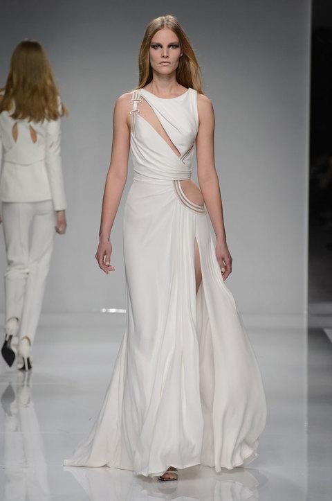 Estremamente I 10 abiti da sposa sulla passerella dell'haute couture IC73