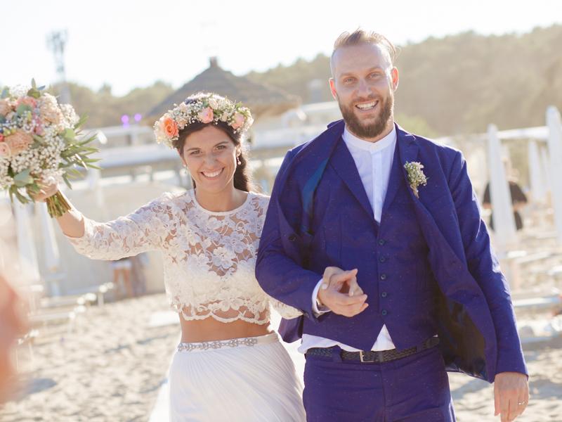 Matrimonio Bohemien Moda : Matrimonio boho chic sulla spiaggia