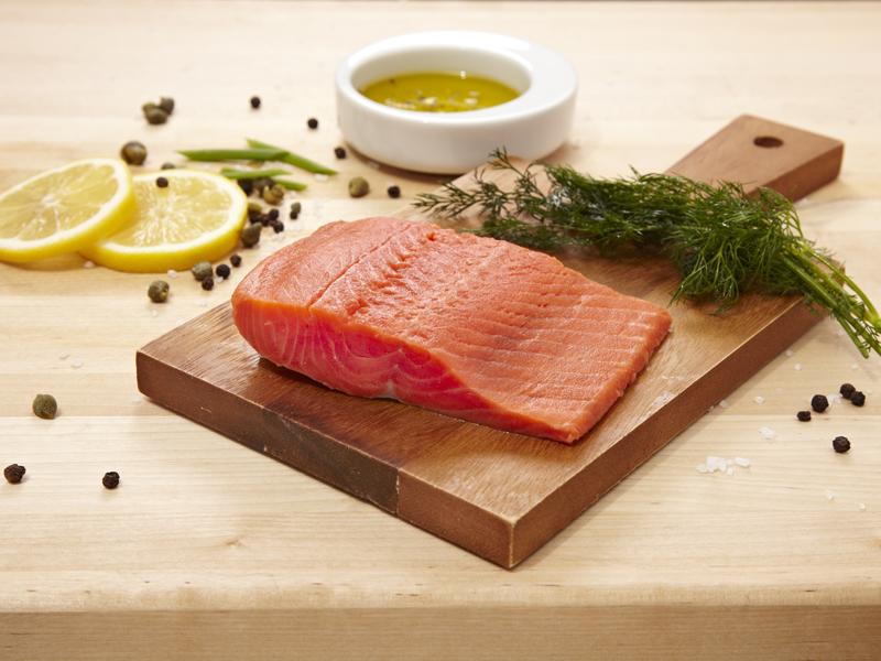 Come cucinare il salmone crudo fresco e affumicato for Cucinare e congelare