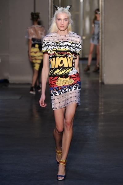 Eccezionale Stampe pop e grafiche cartoon tra le tendenze di moda per l'estate  IC12