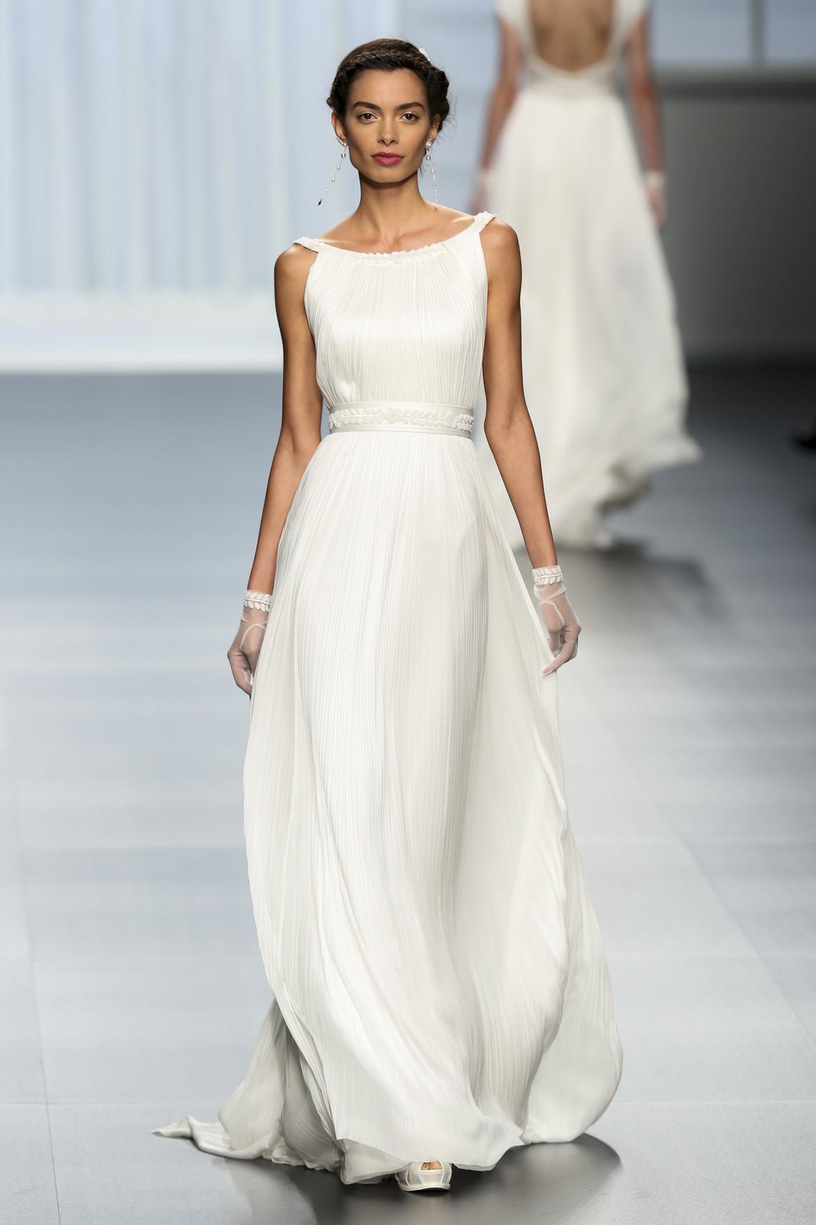 Look Matrimonio Spiaggia : I abiti da sposa per un matrimonio in spiaggia