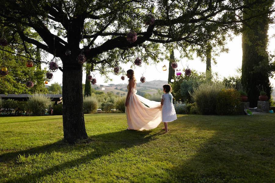 Matrimonio Civile Toscana : Matrimonio in toscana l abito da sposa è di antonio riva