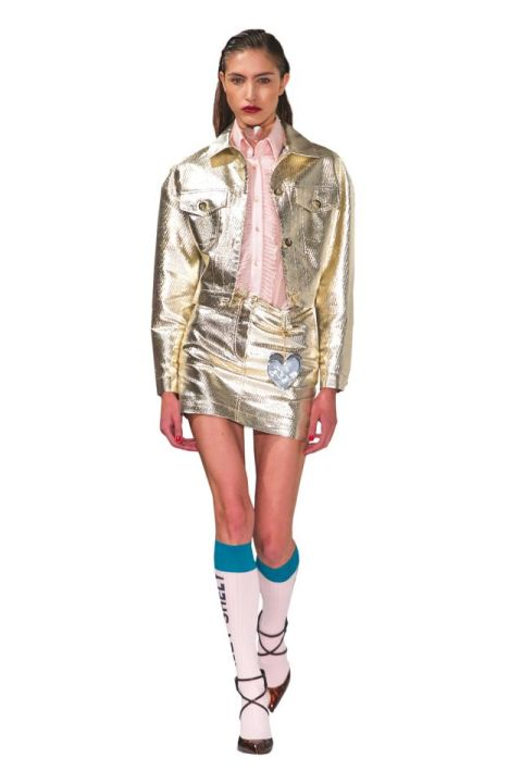 Look anni 80 23 outfit glam dalle sfilate per la primavera estate 2017. Vestireste ancora cosu00ec?