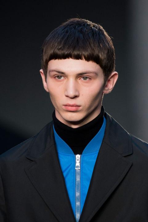 capelli corti uomo la frangia protagonista dei tagli moda 2017