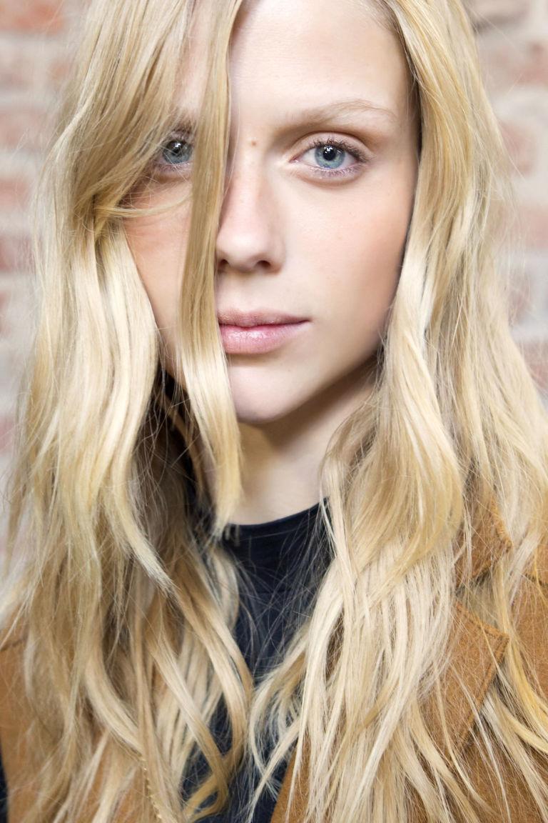 Popolare 7 acconciature per capelli lunghi moda primavera estate 2017 VY48
