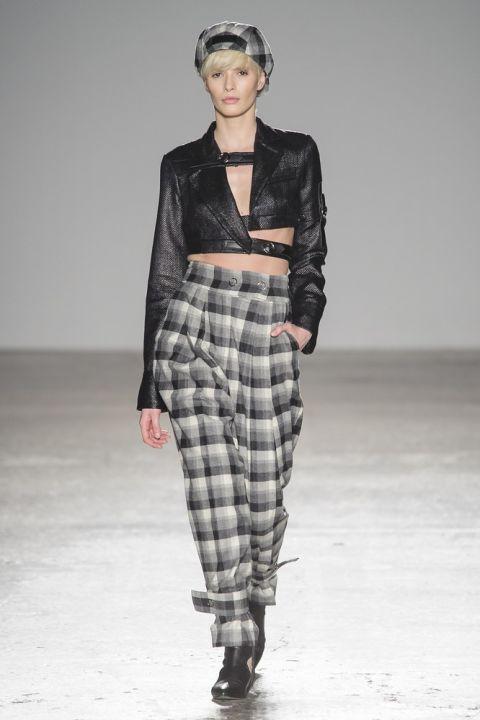 spesso Pantaloni autunno inverno 2017 2018: i modelli larghi e di moda  IC18