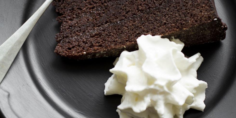 Alla ricerca di alternative alla solita torta al cioccolato? La ricetta della mousse di cioccolato al forno vi conquisterà