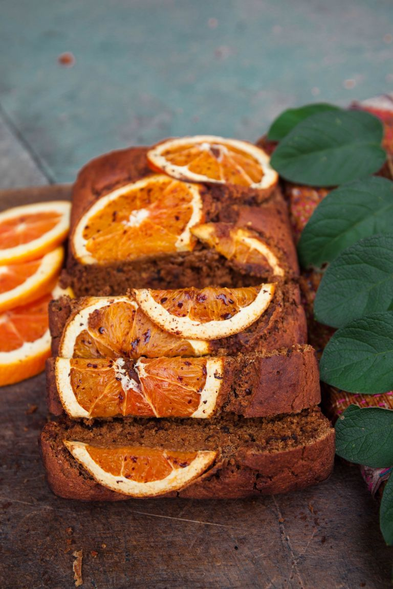 Tutti pazzi per la torta all'arancia = La ricetta vitaminica del plumcake all'arancia è perfetta per colazione e merenda